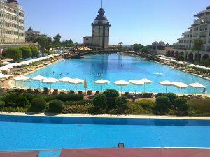 piscina mardan palace